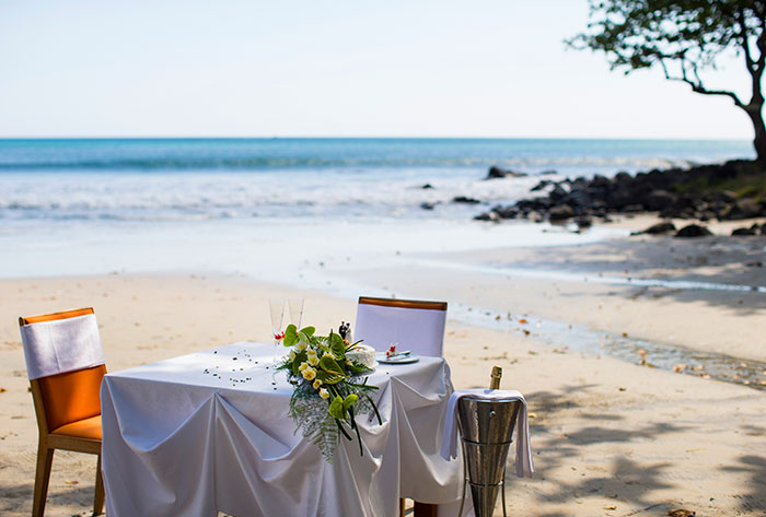 wedding table beach setup
