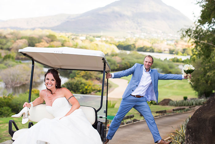 wedding couple funny golf